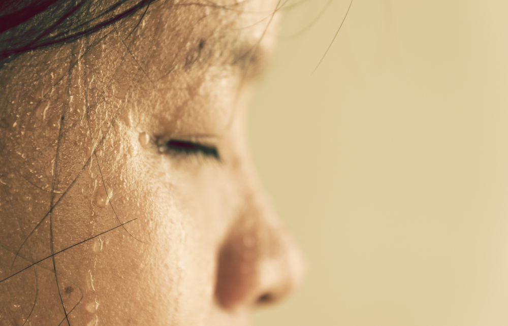 cara mengatasi keringat dingin saat tidur
